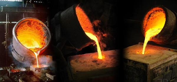 ?James Hardy/AltoPress/Maxppp ; Crucible holding molten ... |Molten Metal Crucible